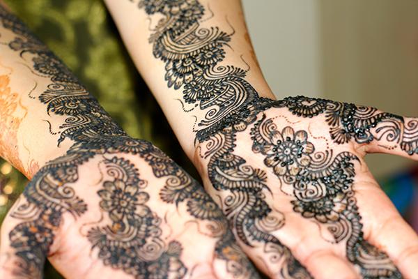 Bridal Mehdni Service